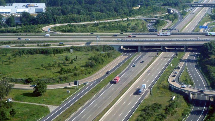 Snelheidsbeperking Duitse Autobahn weggestemd